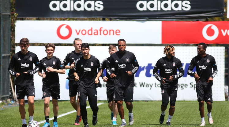 Beşiktaş'ta 4 isim ceza sınırında