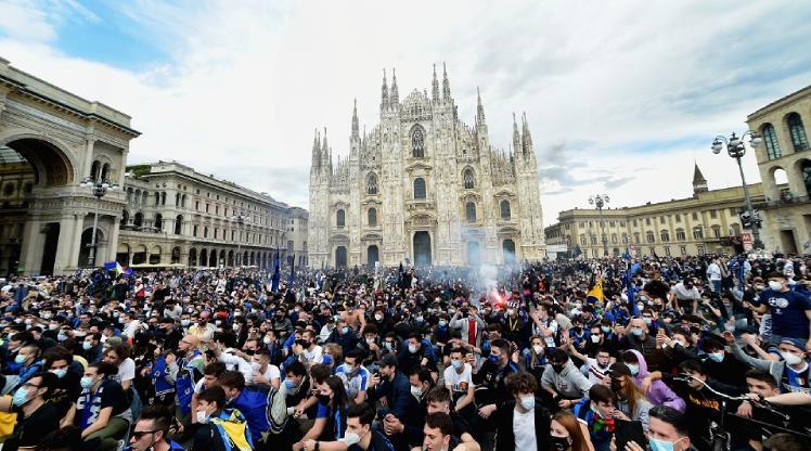 İtalya'da gündem Inter'in kutlamaları