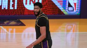 Davis, Lakers'ı taşıdı