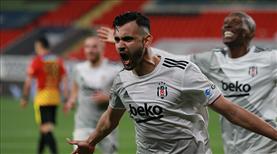 İZLE   Ghezzal'ın penaltısı şampiyonluğu müjdeledi