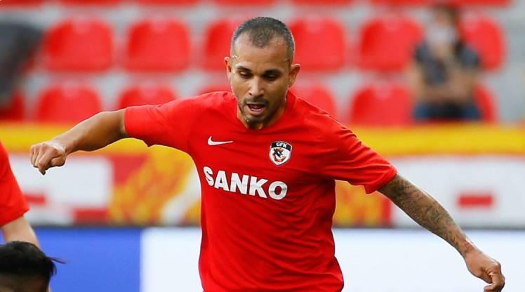 Gaziantep FK 3 futbolcuyla yollarını ayırdı
