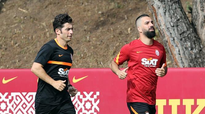 Galatasaray'da Arda Turan geri döndü