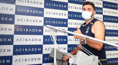 Fenerbahçe Erkek Voleybol Takımı, Kaan Gürbüz'ü renklerine bağladı