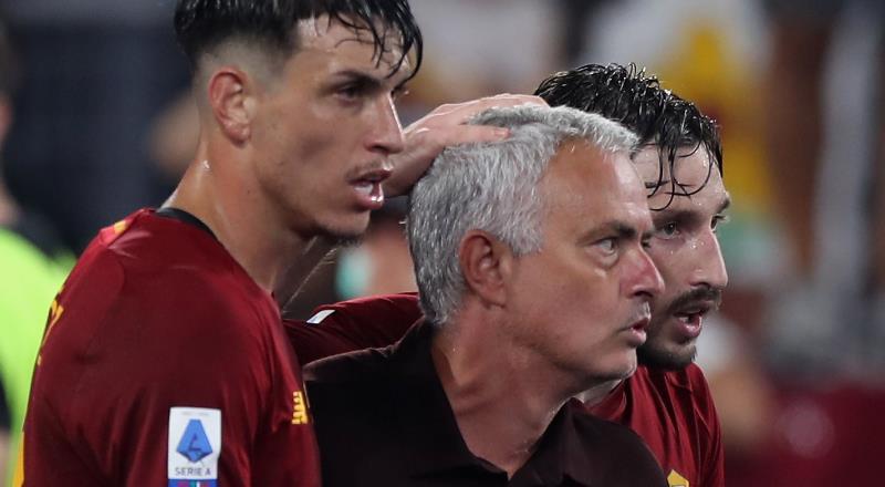 Mourinho'dan tarihi maçta tarihi galibiyet