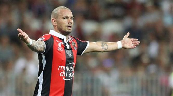 Nice'i Sneijder de kurtaramadı