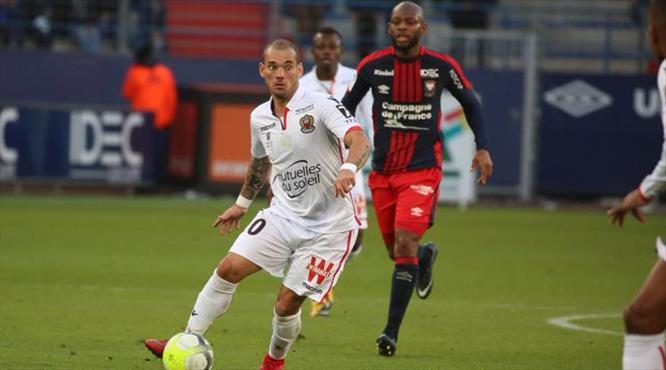 Sneijder son dakikada yıkıldı